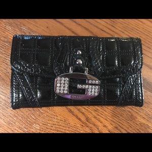 New no tags guess wallet
